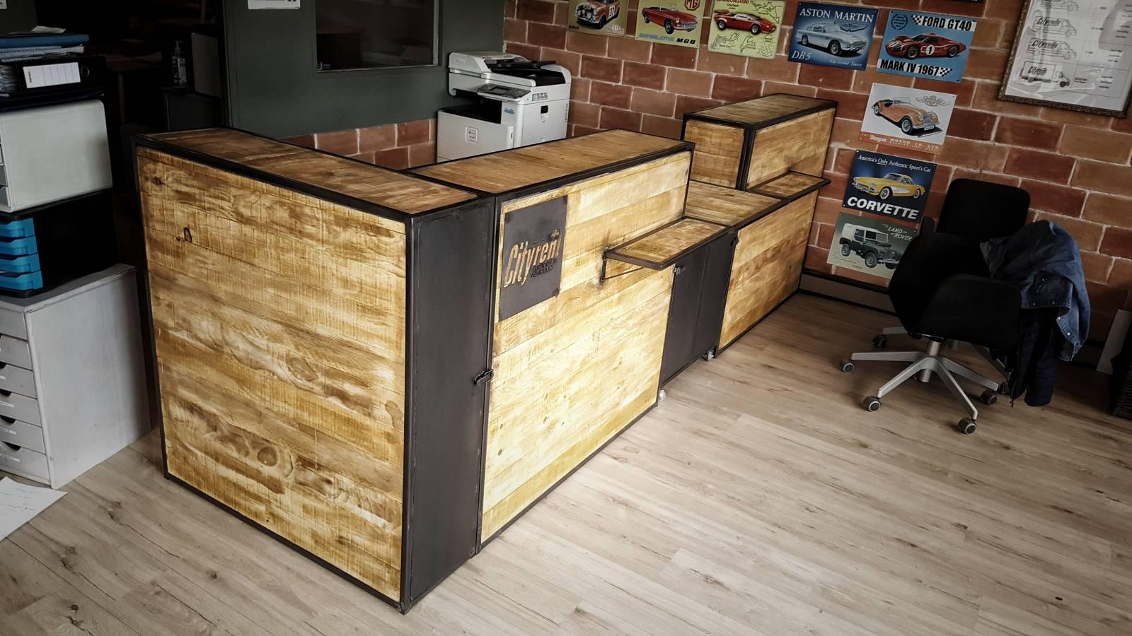 fabrication de comptoirs style industriel sur mesure pour professionels fabrication de. Black Bedroom Furniture Sets. Home Design Ideas