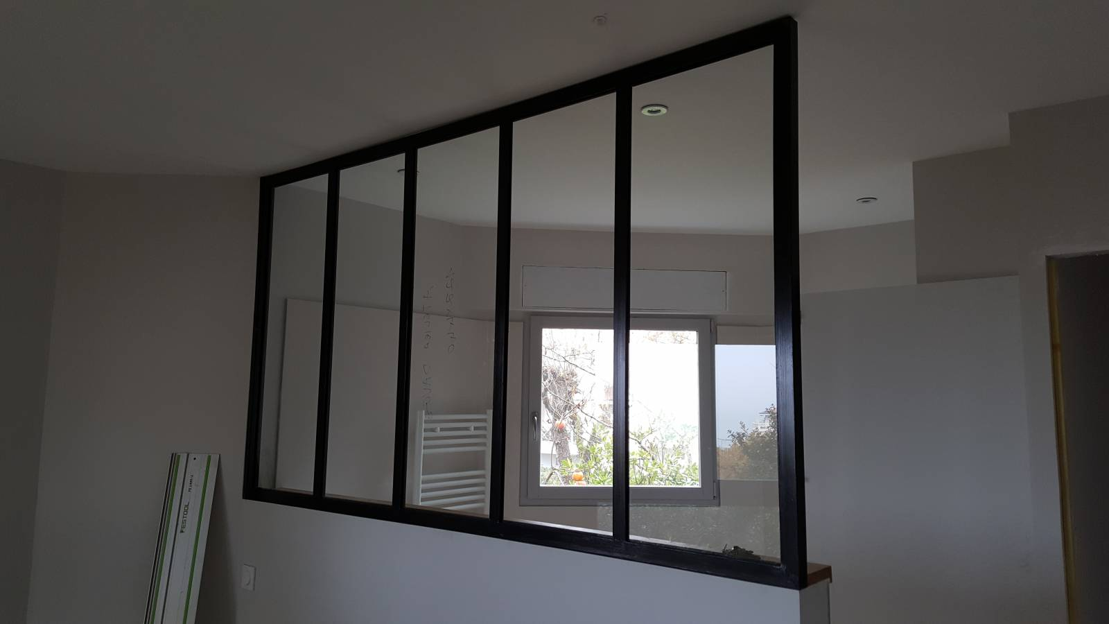 verrieres style industriel fabrication de mobilier bois. Black Bedroom Furniture Sets. Home Design Ideas