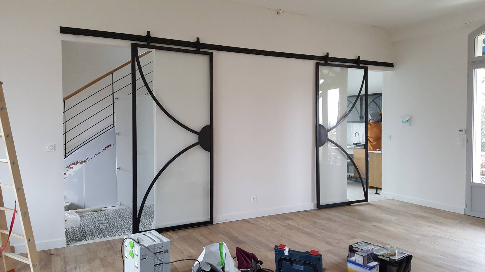 fabrication de verri res style industriel sur mesure. Black Bedroom Furniture Sets. Home Design Ideas