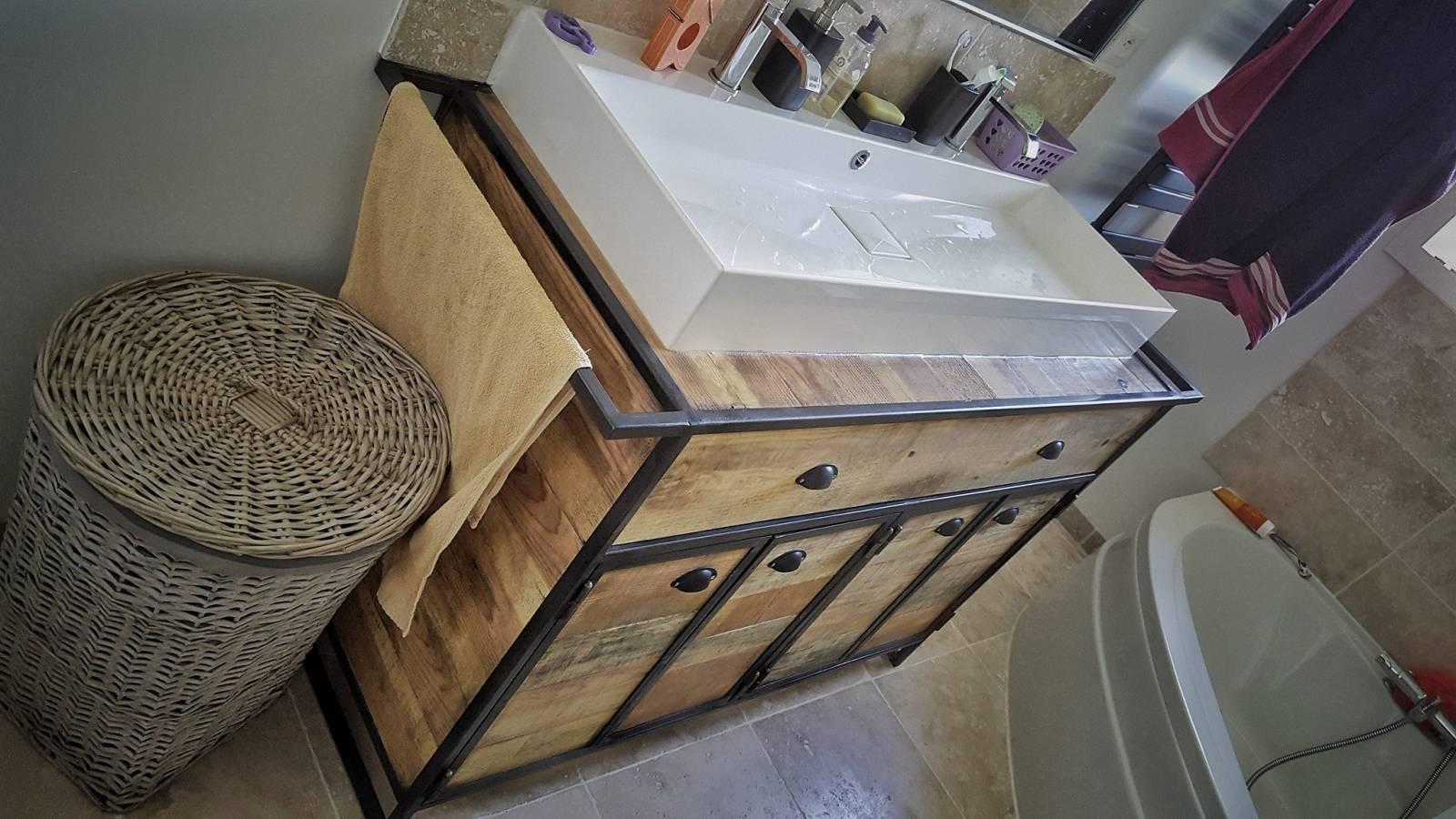 Creation De Meuble Sous Vasque En Acier Et Bois Sur Mesure Fabrication De Mobilier Bois Et Metal En Gironde Flowroomdesign